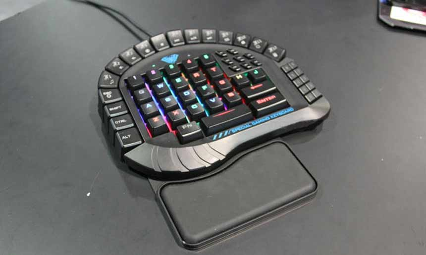 AULA One Handed Merchanical Gaming Keyboard