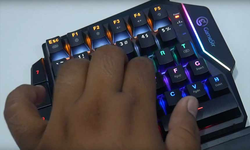 Testing back GameSir GK100 One Handed Gaming Keyboard